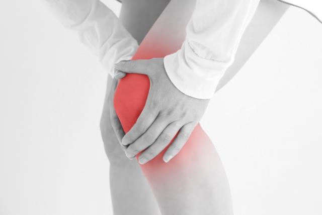 変形性膝関節症は若くても起こります